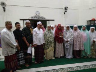 Prosesi syahadat di masjid Al Ikhlas