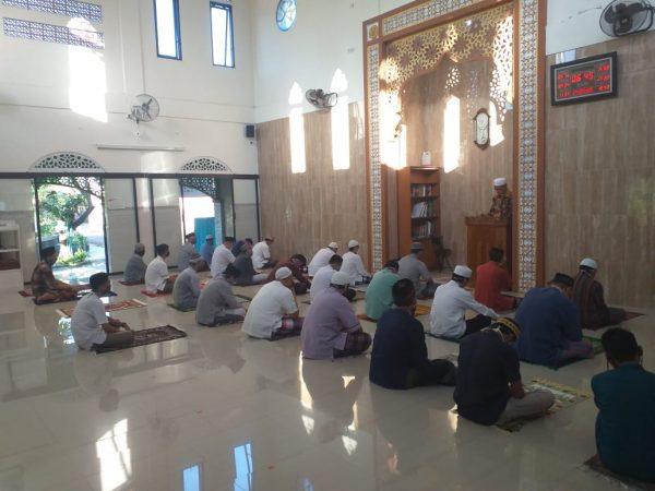shalat Iedul Fitri Jamaah masjid Al Ikhlas CRM tahun 2020